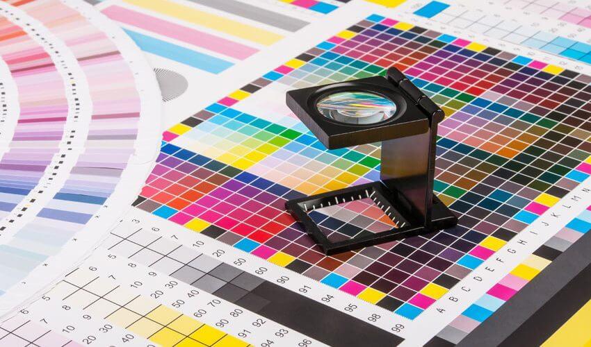Melhorar a qualidade da impressão digital solvente está ao seu alcance